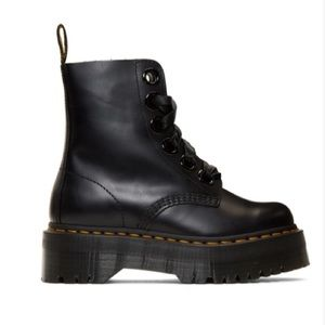 NWOB: Dr. Martens Molly Platform Boots - 6